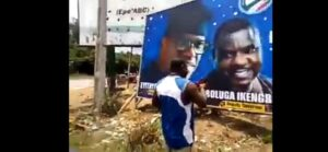 Eyitayo Jegede gets spiritual support and boost ahead of Ondo election as Babalawo fortifies billboard (video)