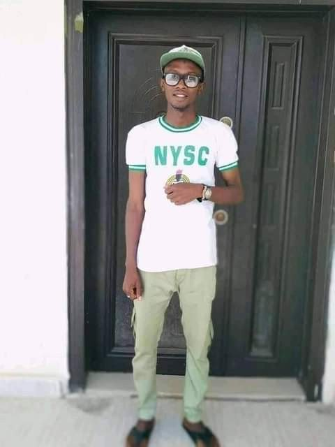 Breaking News: Nigerian Graduate, Usman Abubakar, shreds and burns his certificates over his inability to secure a job after NYSC (Graphic Pictures)