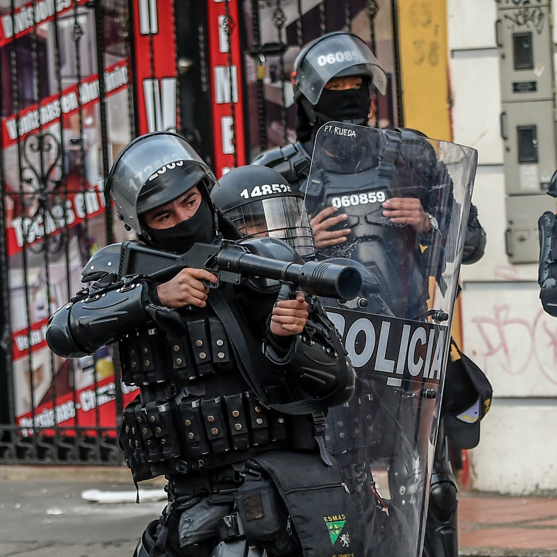 Read more about the article Full Video of the moment Columbian Lawyer Javier Ordonez, 46, was tasered at least 5 times by Police, leading to his death later in hospital (Viewer's discretion advised)