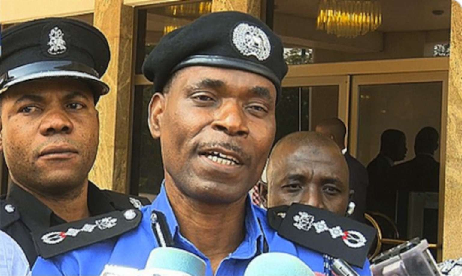 Read more about the article Video, Breaking News on EndSARS: IGP Mohammed Adamu announces the abolition of SARS and immediate redeployment of cops. Reno Omokri and Apostle Johnson Suleman insist on reforms.