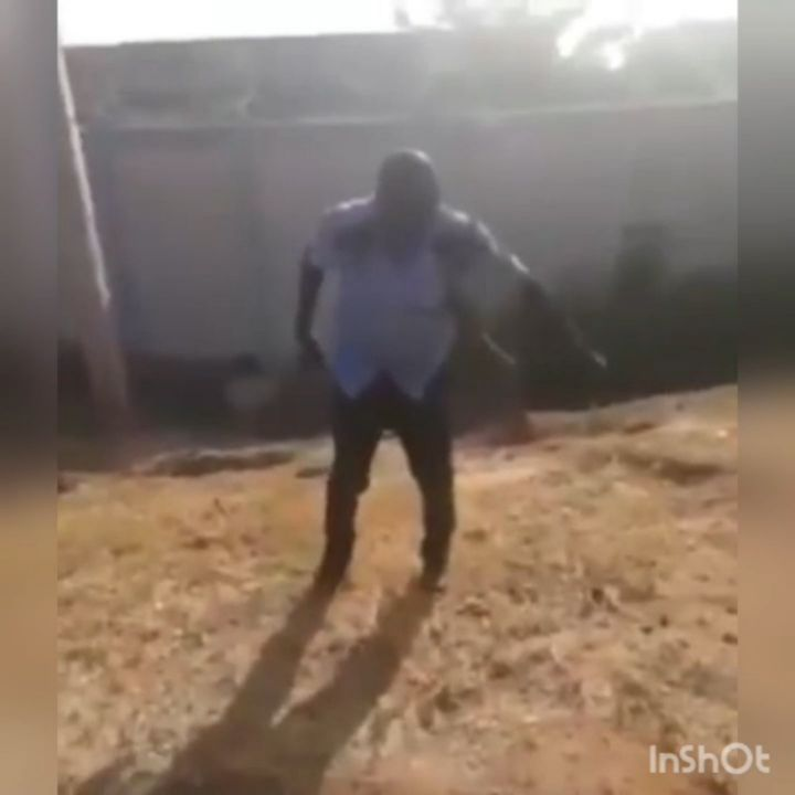 You are currently viewing The Nigeria Police Force has arrested a Drunk Policeman behaving badly in Abuja on November 28 [Viral Video]