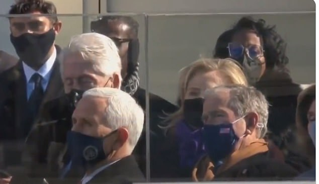 Did Bill Clinton fall asleep during the Inaugural Speech of President Joe Biden? (Video and 5 Pictures)