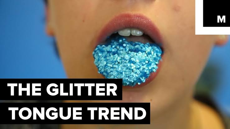 Read more about the article Glitter Tongue (11 funny beauty memes)