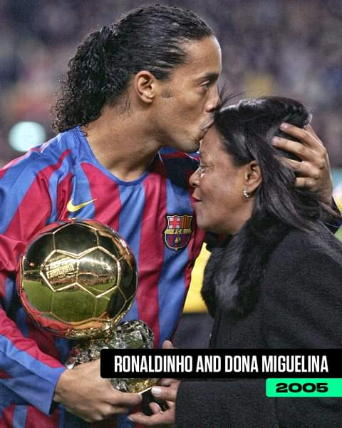 Read more about the article 21 Pictures of Footballers and their Mothers