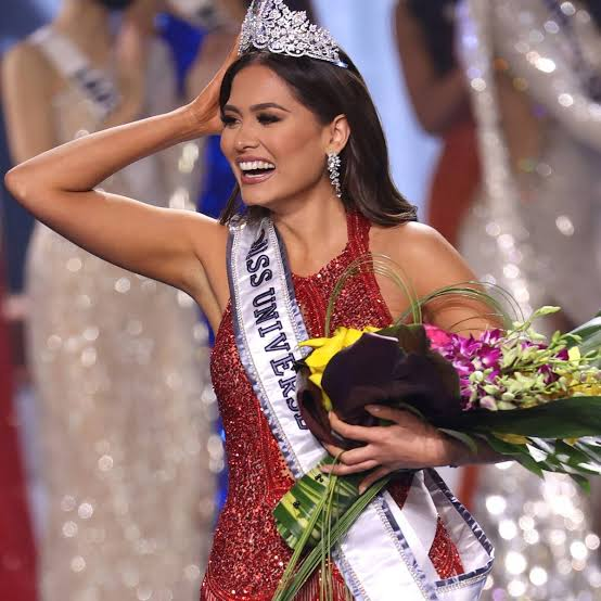 Read more about the article Miss Mexico Andrea Meza Crowned Miss Universe 2021 on Sunday (15 funny Miss Universe Memes)